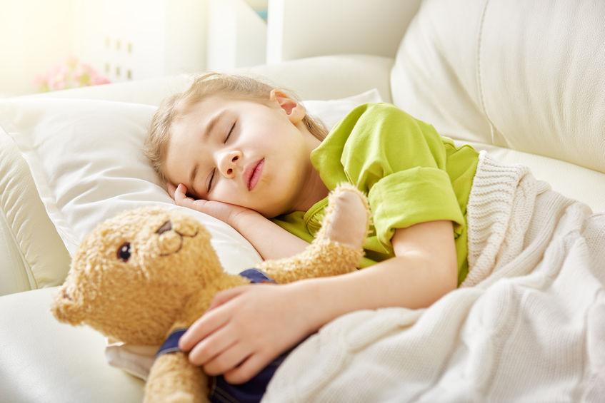 Hypnose et sommeil : aidez votre enfant à bien dormir !